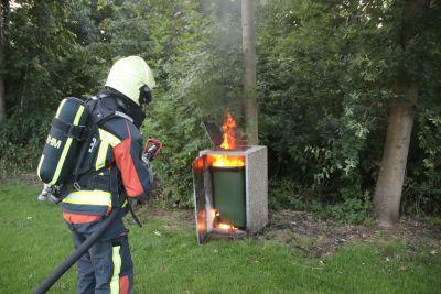 Prullenbak in brand aan de Paardenlaan