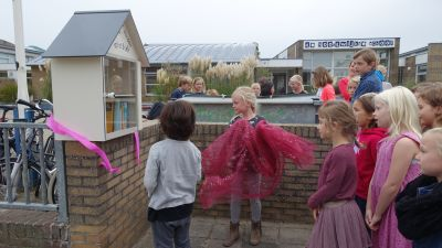 De Noordwijkse School viert Burendag.
