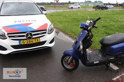 Scooterrijder gewond na aanrijding met busje op de Van Berckelweg.