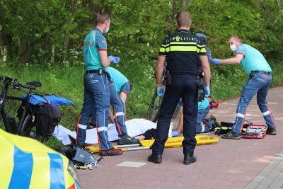 Fietser ernstig gewond na val op weg naar strand in Noordwijk, met spoed naar ziekenhuis.