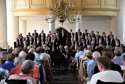 Concert in de oude Jeroenskerk van The Seaside Singers