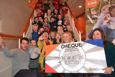 Theatershow de Ronde Tafel Noordwijk/Katwijk levert duizenden euro's op voor goede doel.